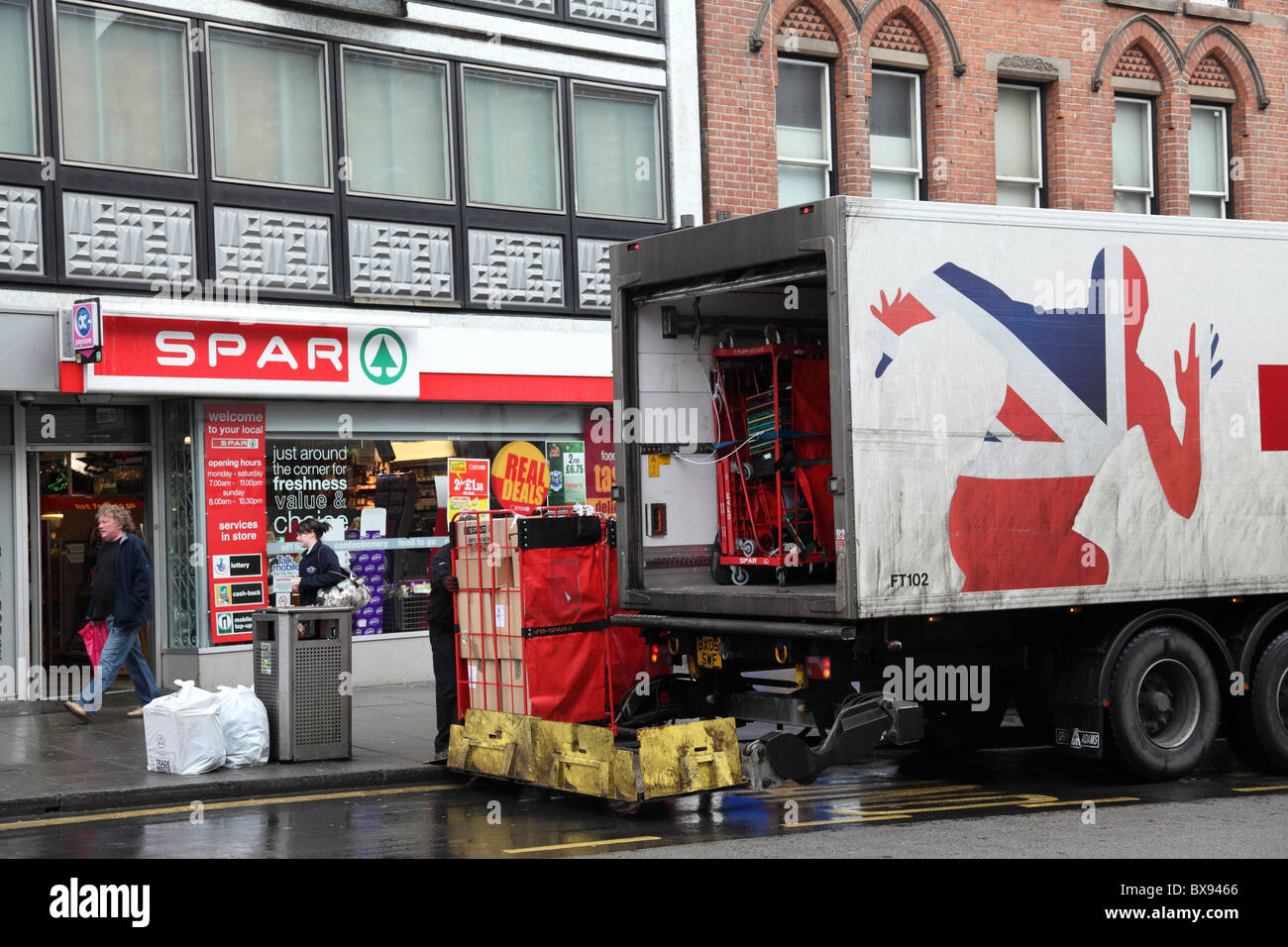 6fc3693220 A truck delivering to Spar convenience store in a U. K. city. - Stock Image