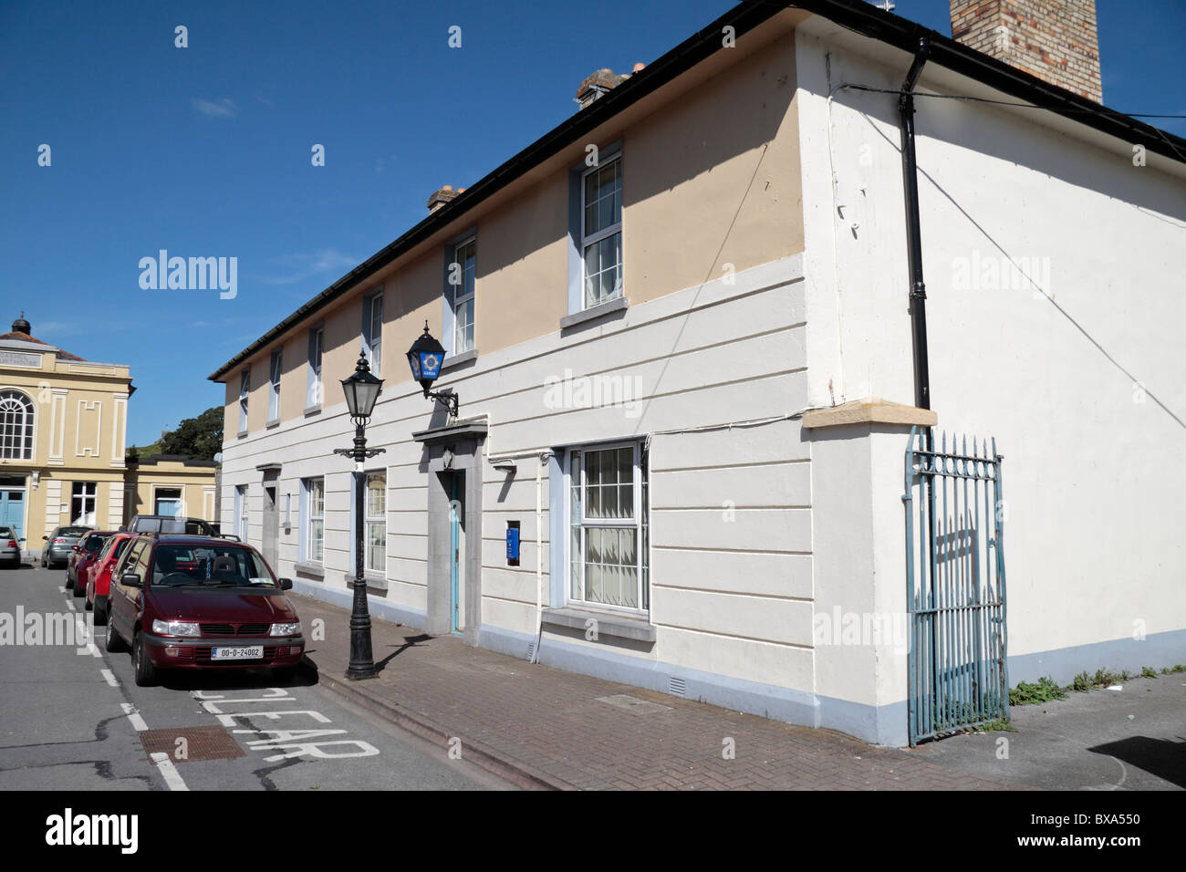 The Garda (Police) station in Cashel, Co. Tipperary Ireland, (Eire) - Stock Image