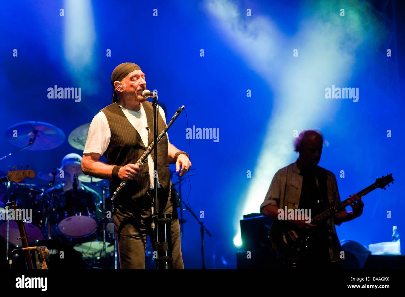 Singer / flute player Ian Anderson, guitarist Martin Barre and Drummer Doane Perry of Jethro Tull on stage in Jerusalem, - Stock Image