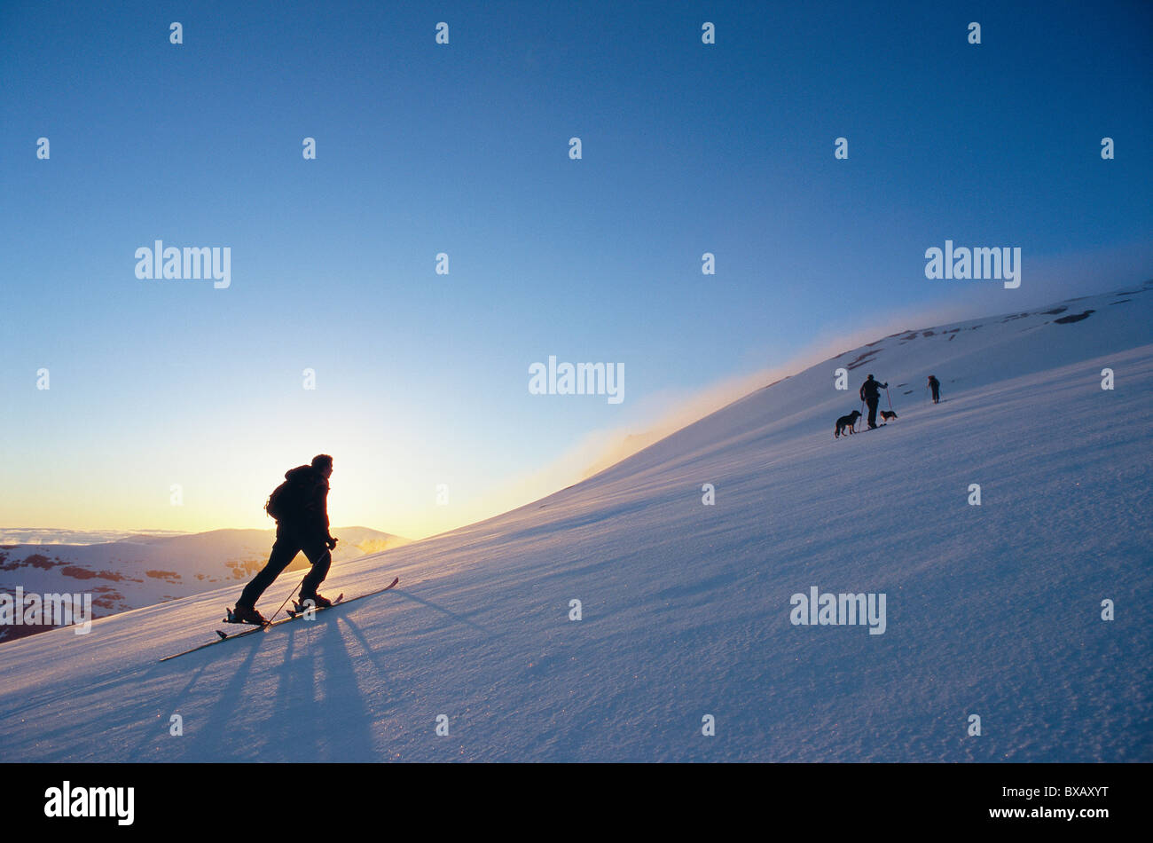Tourists on mountain - Stock Image