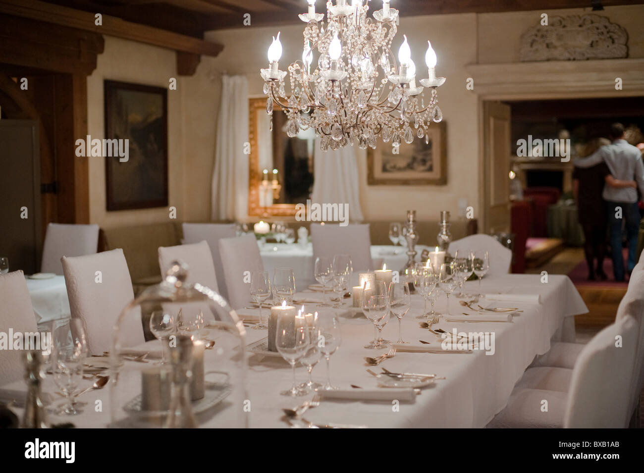 Festively decorated dining room - Stock Image