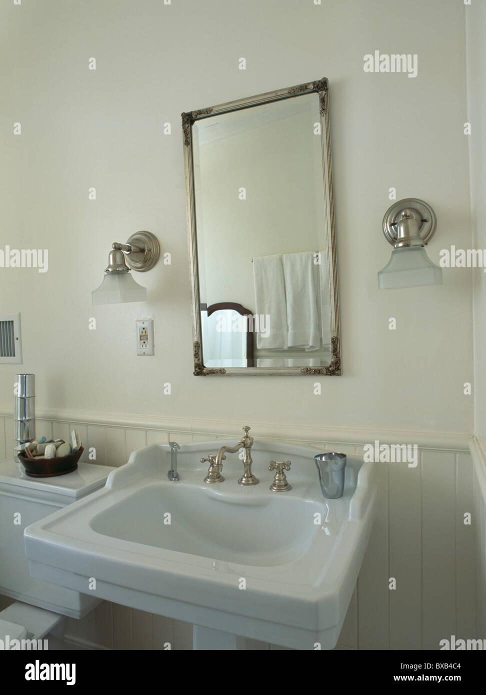 Victorian Style Basin Bathroom Stock Photos & Victorian Style Basin ...