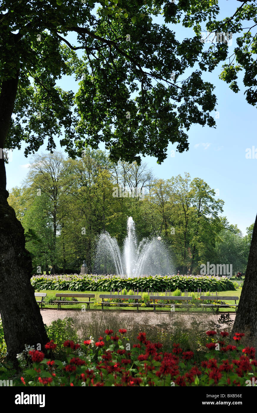 Fountain in park - Stock Image