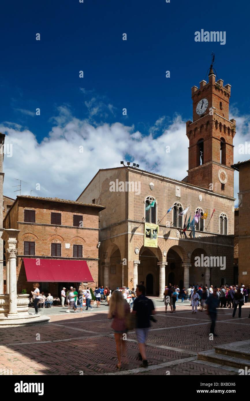 Piazza Pio 11 Pienza Tuscany Italy Stock Photo