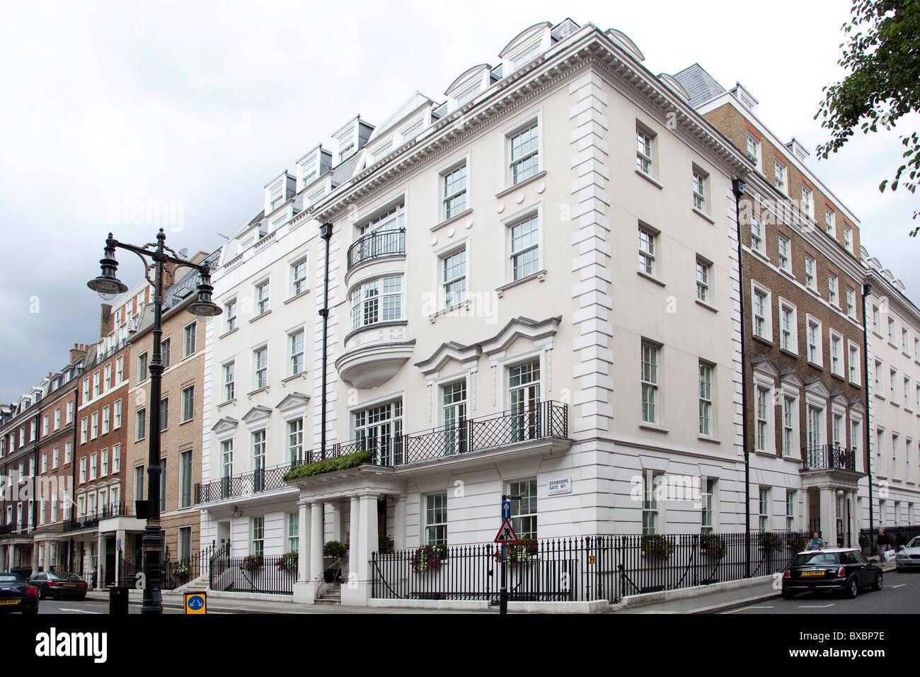 Headquarters of the pharmaceutical corporation AstraZeneca, London, England, United Kingdom, Europe - Stock Image