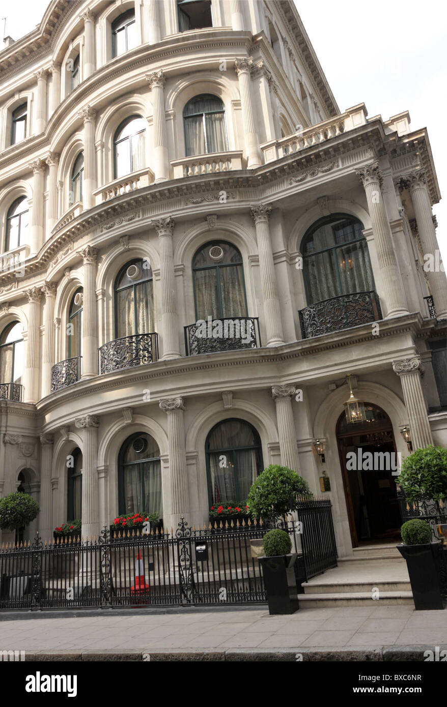 Les Ambassadeurs Club,an exclusive private members club situated in Hamilton Place near Hyde Park Corner. - Stock Image