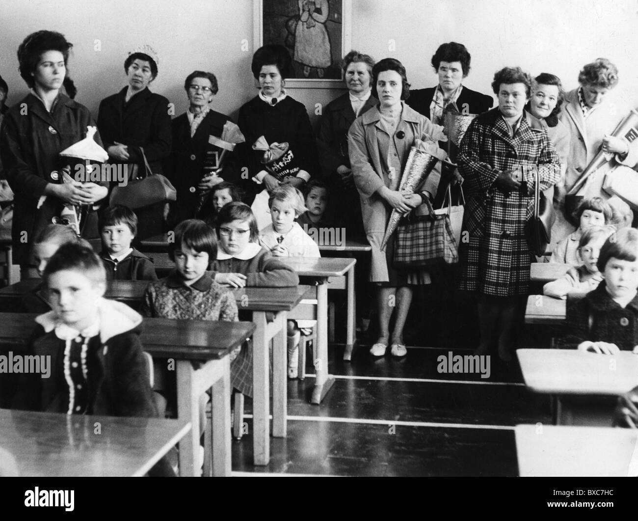 segregated schools 1950s - HD1300×1061