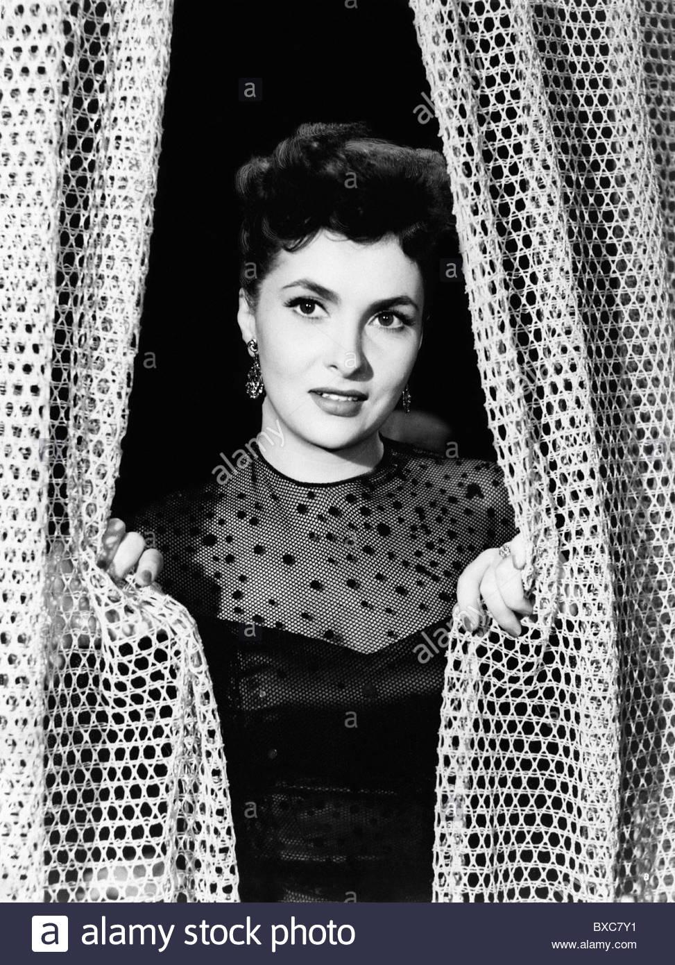 Lollobrigida, Gina, * 4.7.1927, Italian actress, half length, movie scene from 'Four Ways Out', 1951, Additional - Stock Image