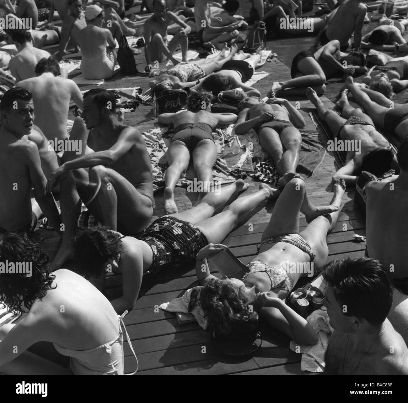 tourism, leisure time, sun bathing, seaside resort, England, 1960s, , Additional-Rights-Clearences-NA - Stock Image