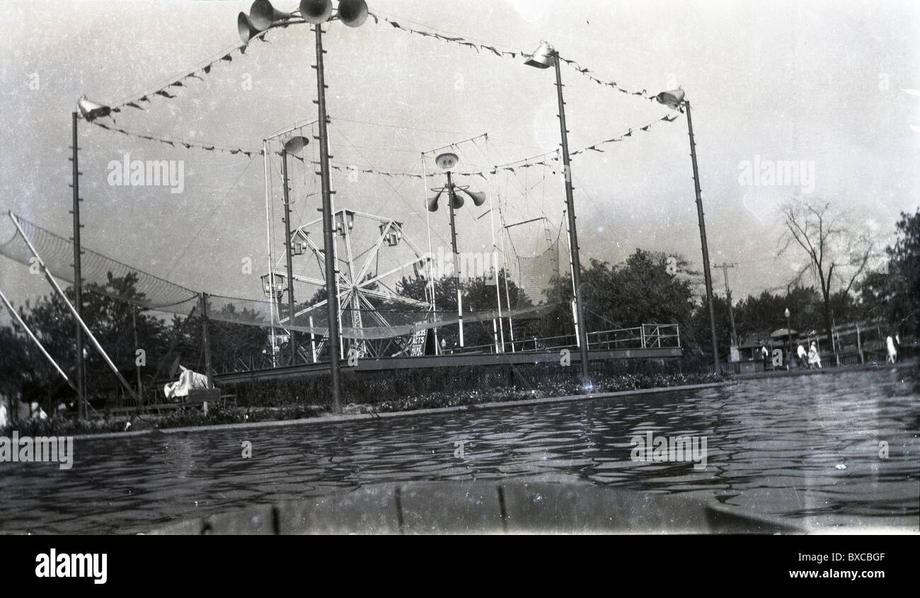 Trapeze of the Five Fearless Flyers circus act. outdoors carnival acts entertainment 1920s 1930s set up - Stock Image