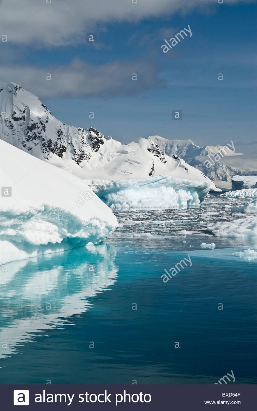 Pack ice and icebergs, Antarctica. - Stock Image