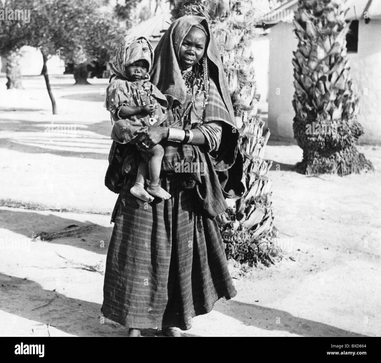 people, ethnology, woman with child, Libya, circa 1950s, Additional-Rights-Clearences-NA - Stock Image