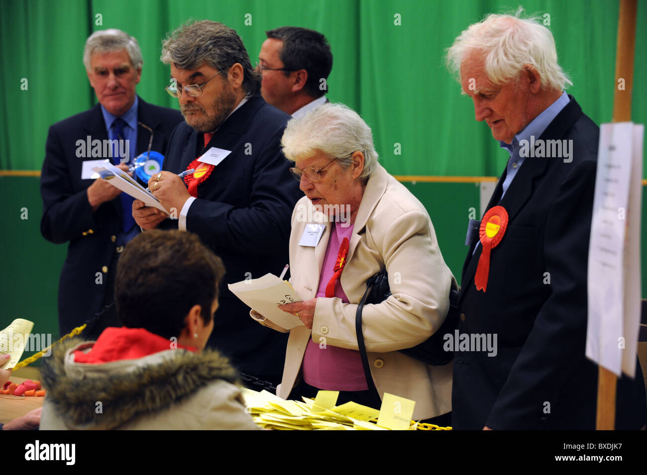 2010 General Election count held at the K2 in Crawley - Political party tellers monitor the counting of votes cast - Stock Image