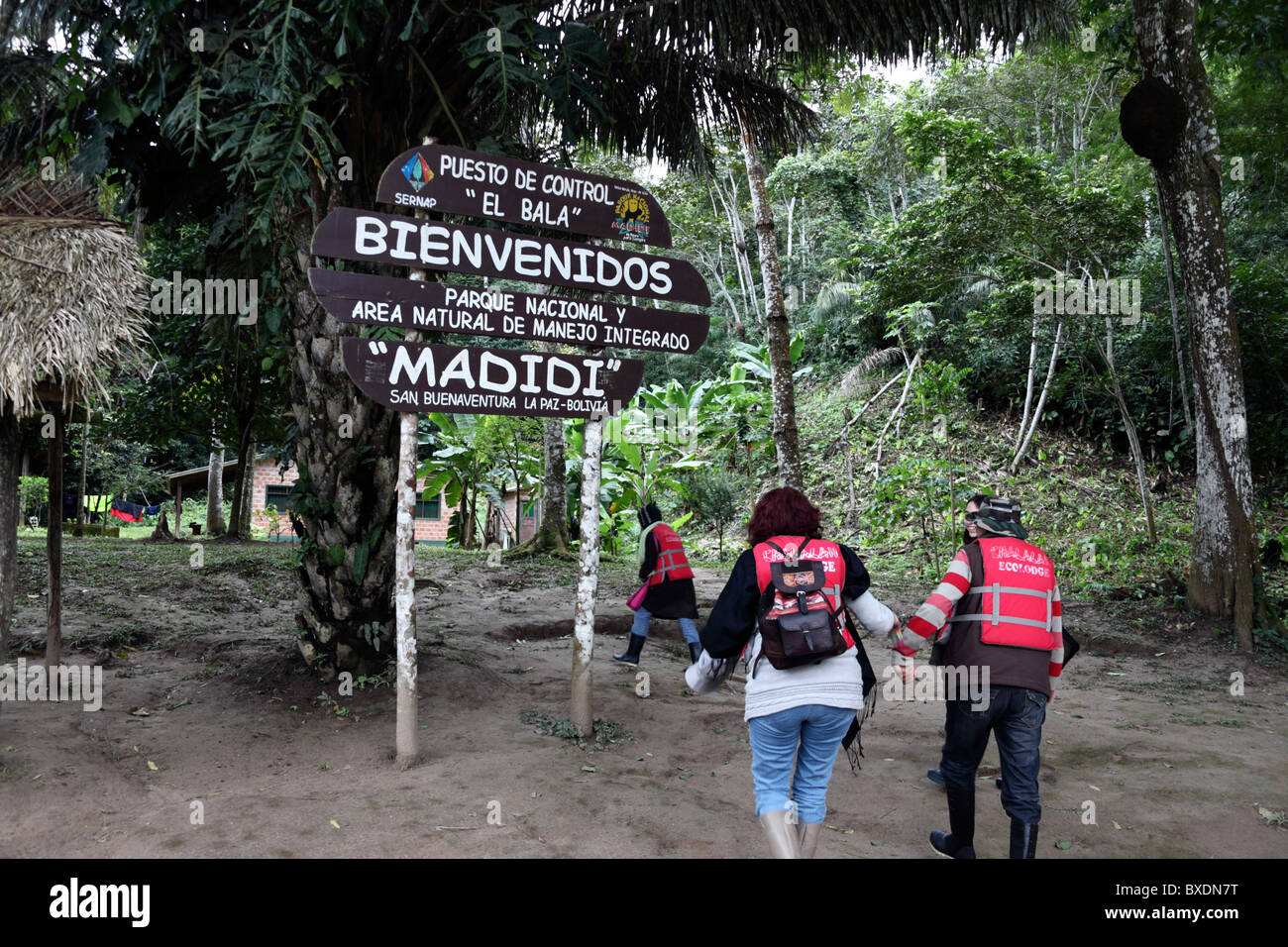 Tourists arriving at Bala Gorge checkpoint, entrance to Madidi National Park if coming from Rurrenabaque, Bolivia - Stock Image