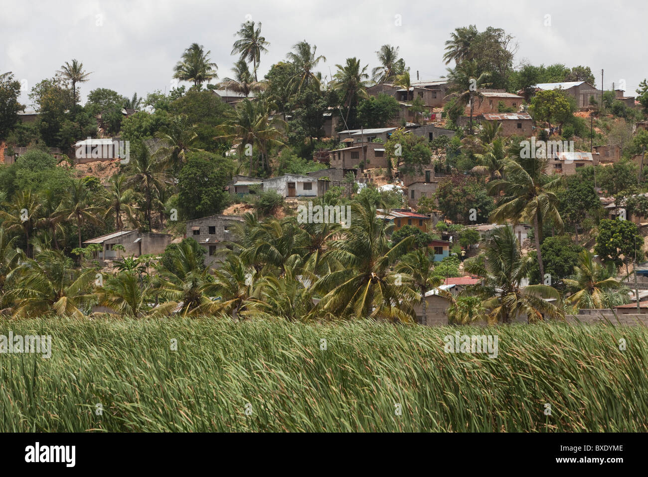 Houses on a hillside in Mbagala, Dar es Salaam, Tanzania, East Africa. - Stock Image