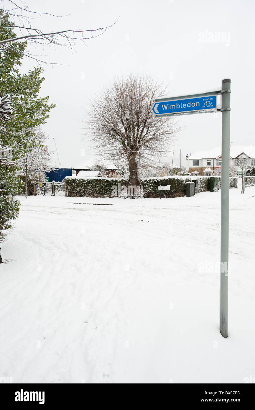 Heavy Snow Fall in Wimbledon, London, England, UK - Stock Image