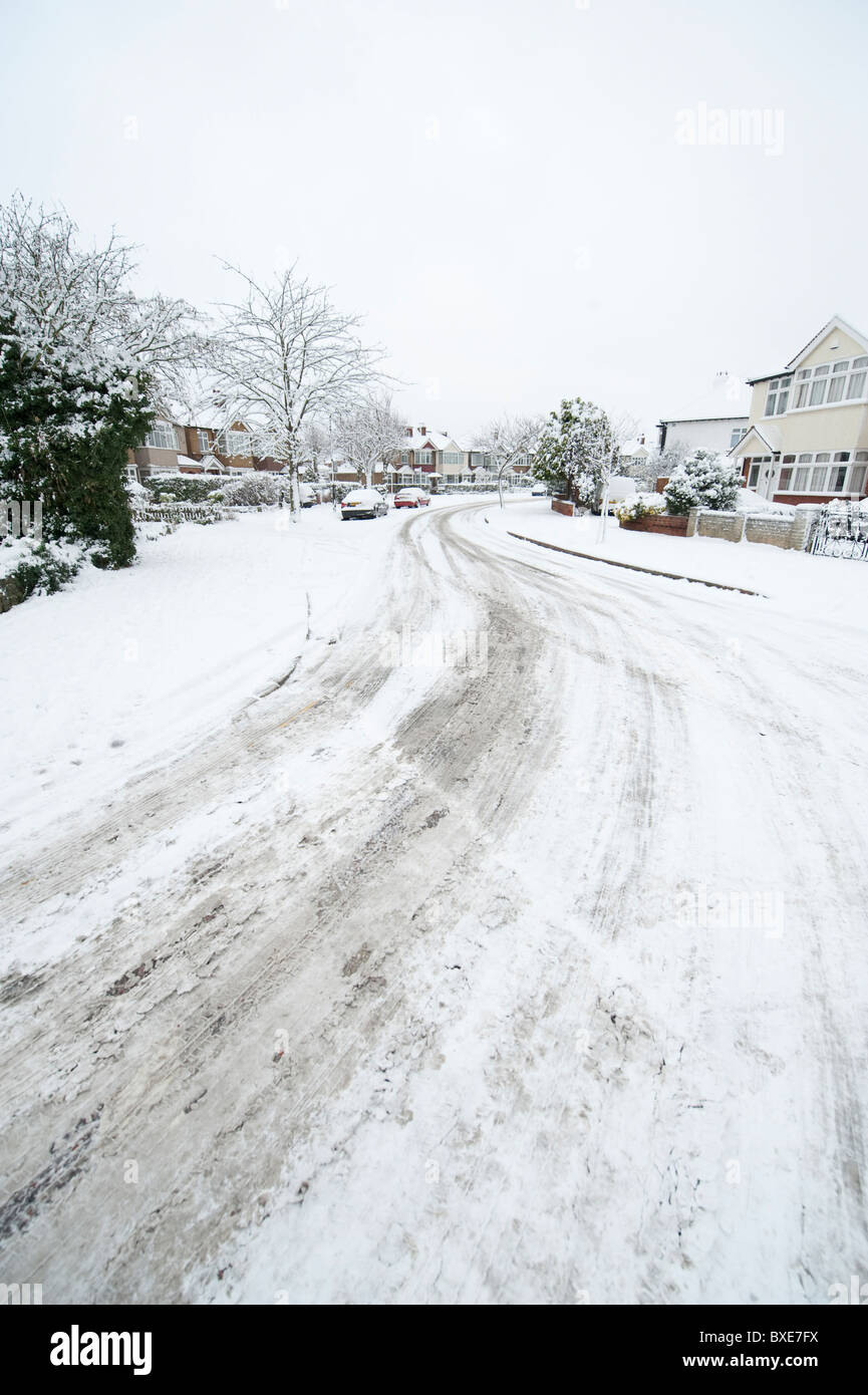 Heavy Snow Fall in the London suburbs, England, UK - Stock Image