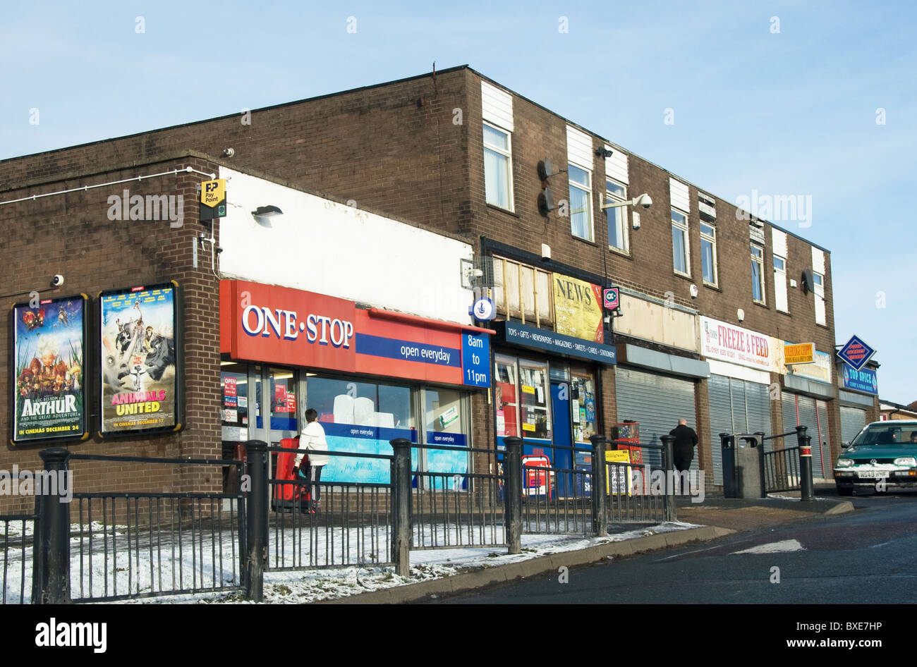 Rundown shopping parade, Sholver estate (Oldham East + Saddleworth constituency), Oldham, Greater Manchester, England, - Stock Image
