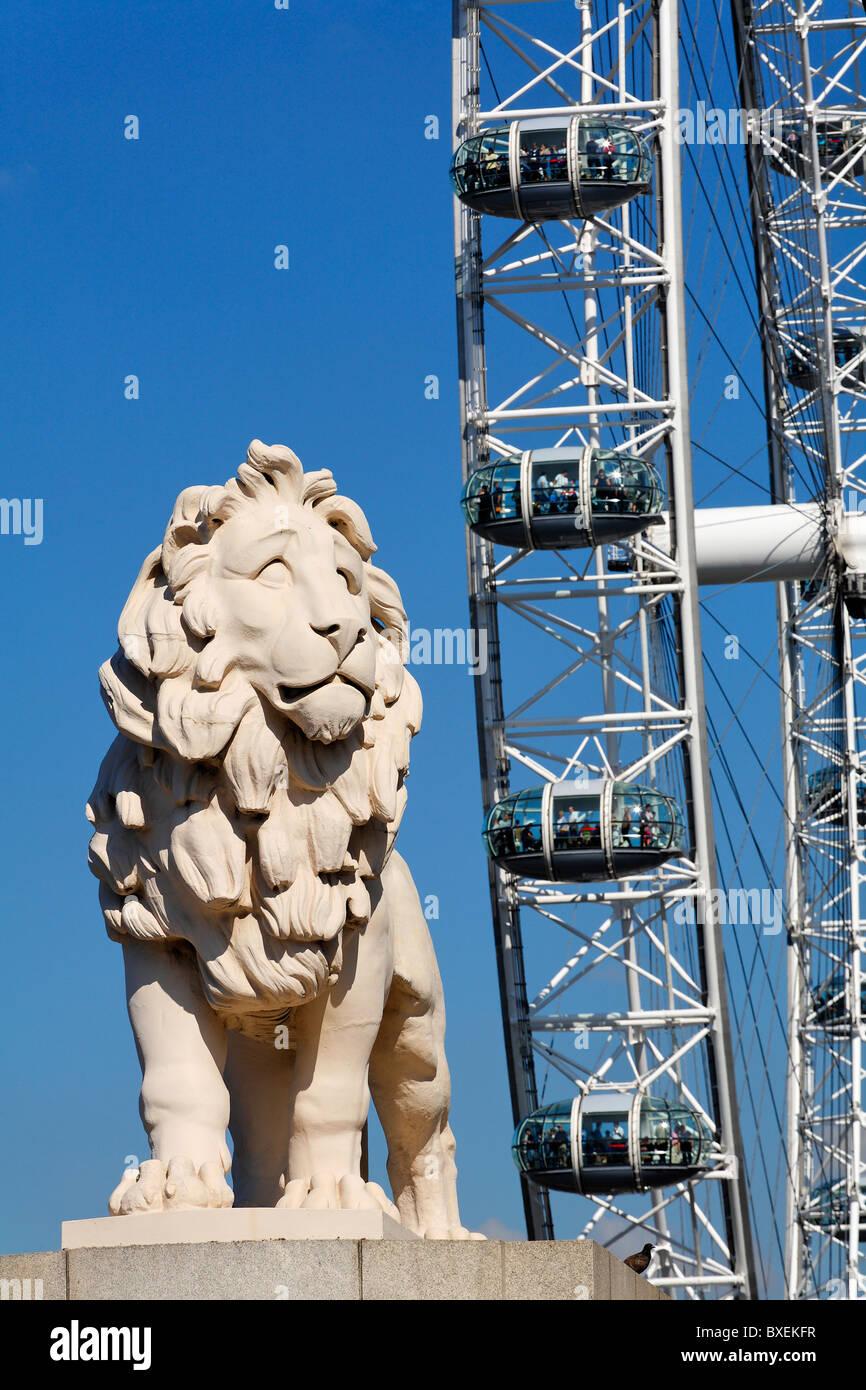 The Southbank Lion and British Airways London Eye, London, UK - Stock Image