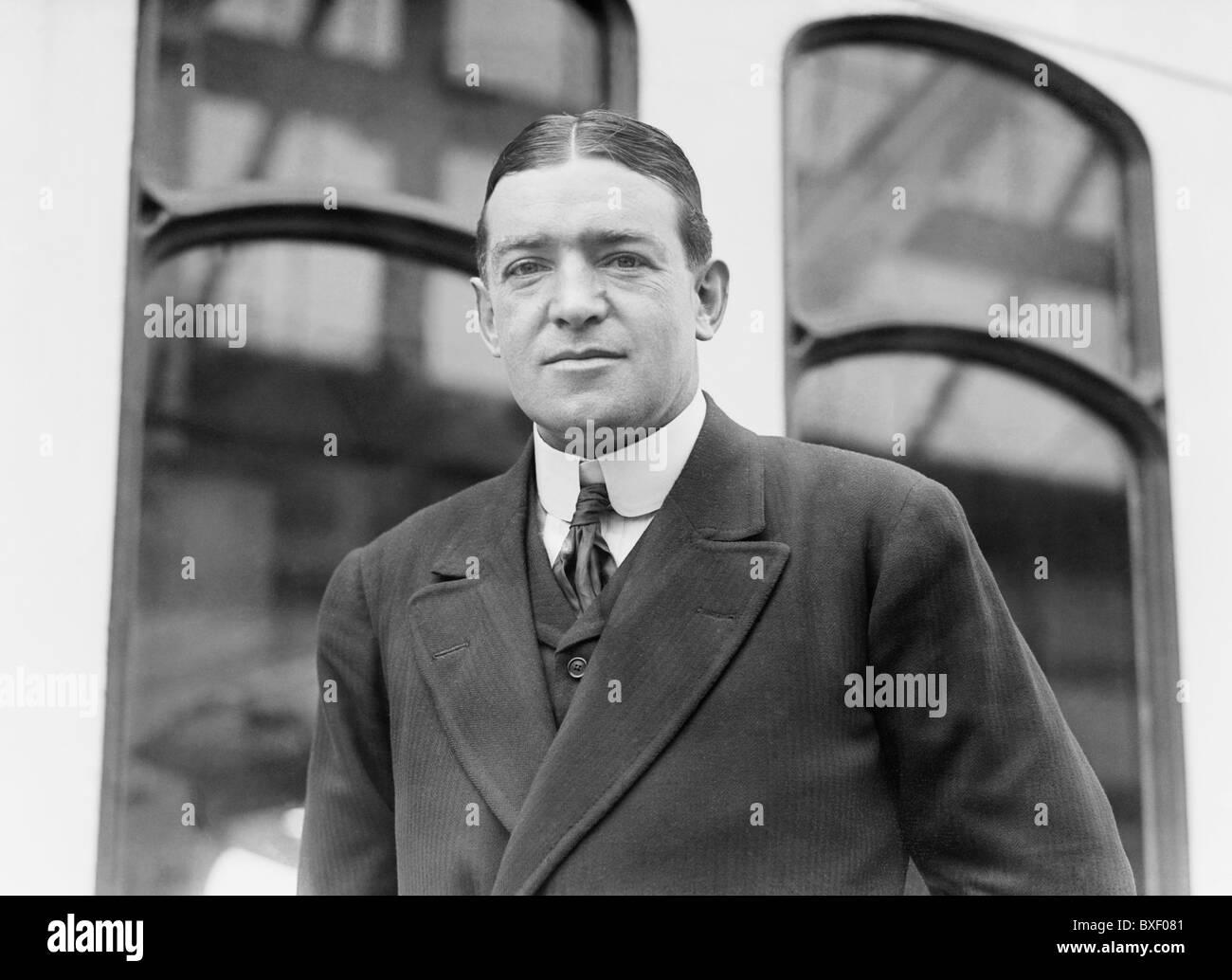 Vintage photo circa 1910s of British Antarctic explorer Sir Ernest Henry Shackleton (1874 - 1922). - Stock Image