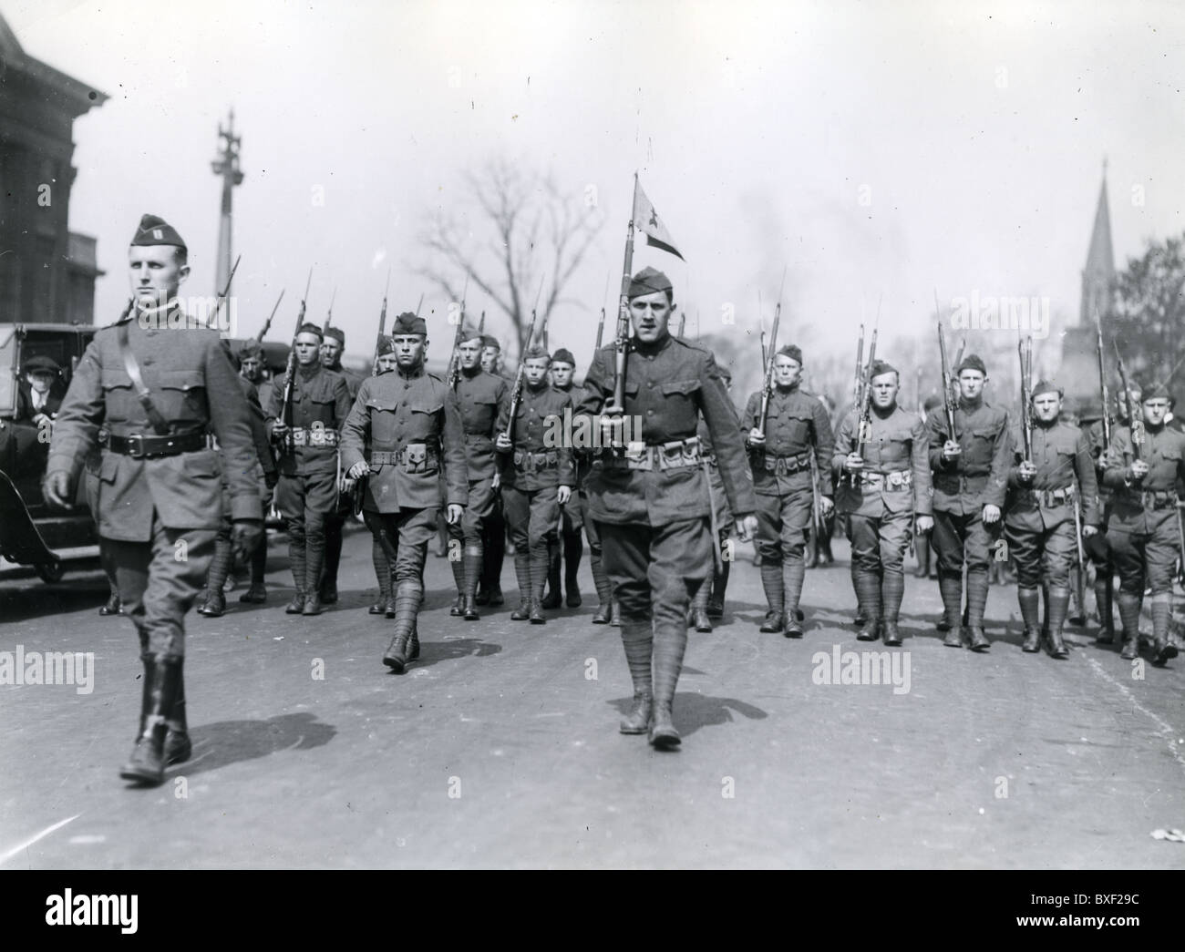 The United States Army 32nd Division Red Arrow marches in Detroit during WWI homecoming parade May 12, 1919 soldiers - Stock Image