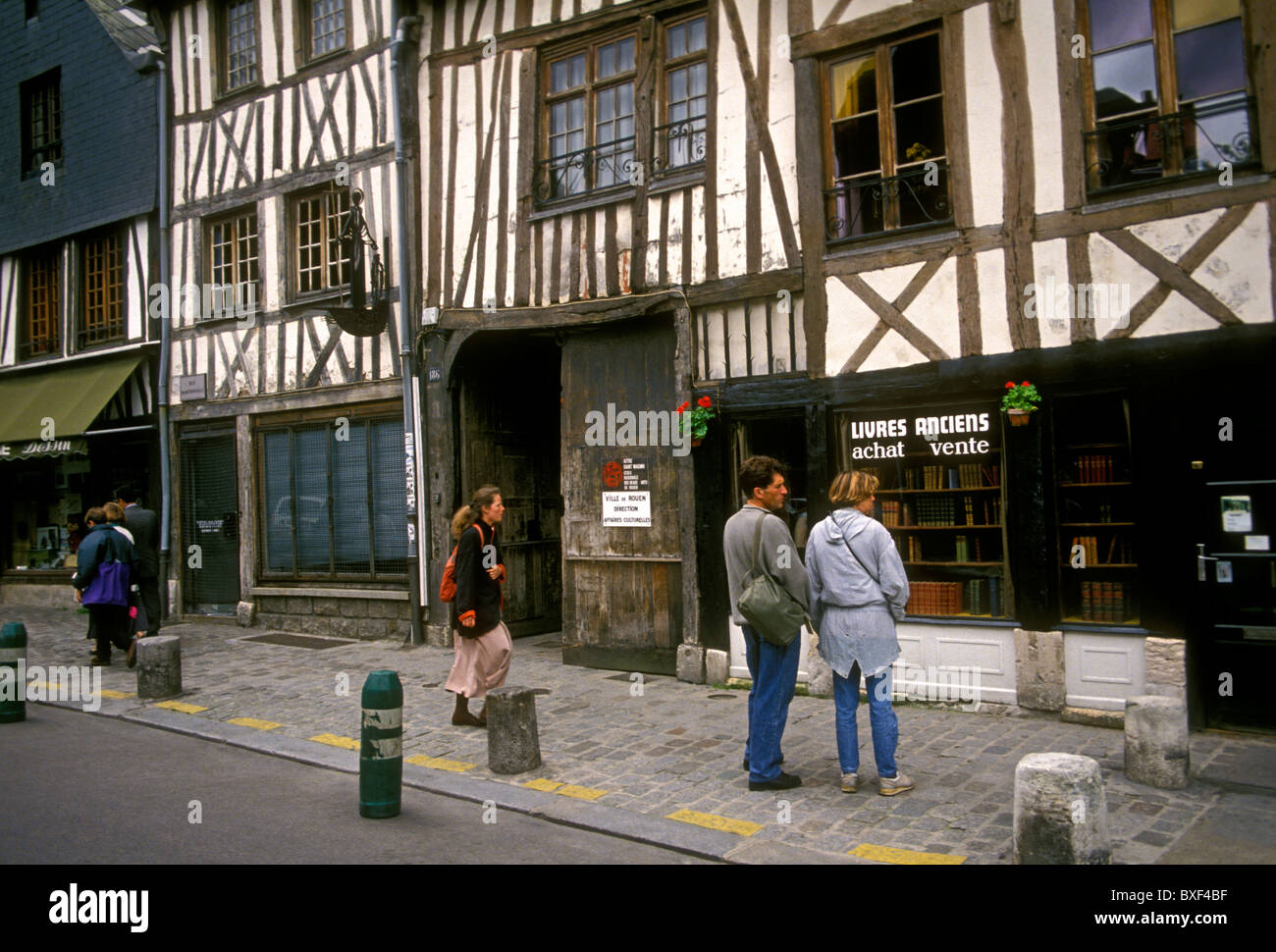 bookstore, bookshop, bookseller, book dealer, new and used books,, Rue de Martainville, city of Rouen, Upper Normandy, - Stock Image