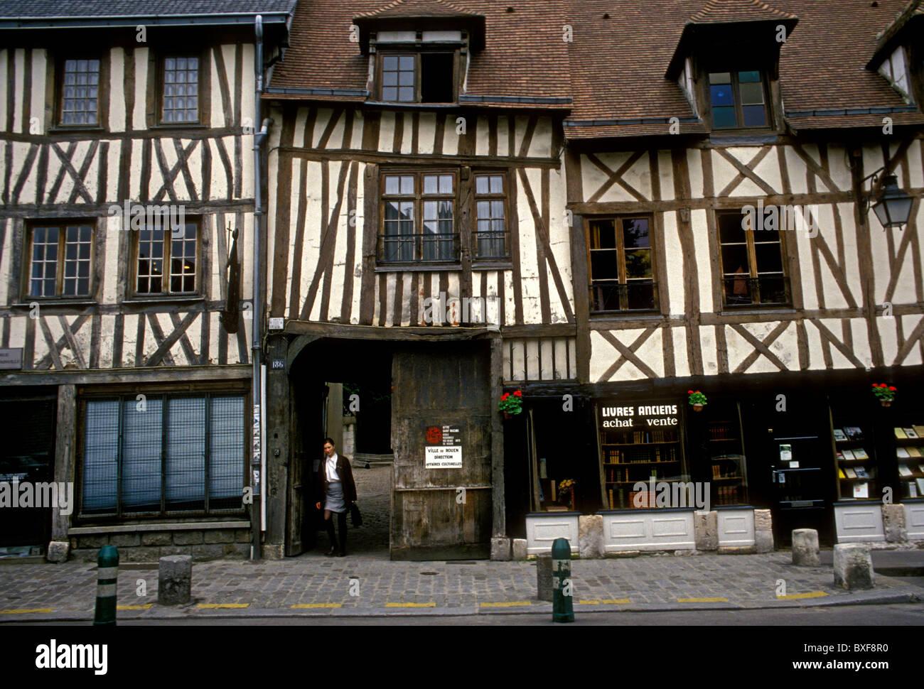 bookstore, bookshop, bookseller, book dealer, Rue de Martainville, city of Rouen, Upper Normandy, France - Stock Image
