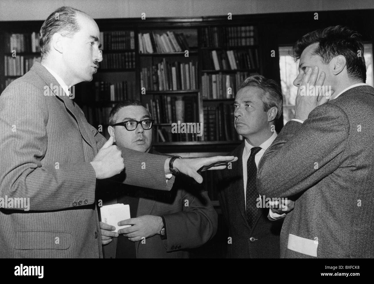 Habsburg, Otto von. 20.11.1912 - 4.7.2011, Austrian - German politician (CSU), with authors Hellmut Andics and Michel - Stock Image