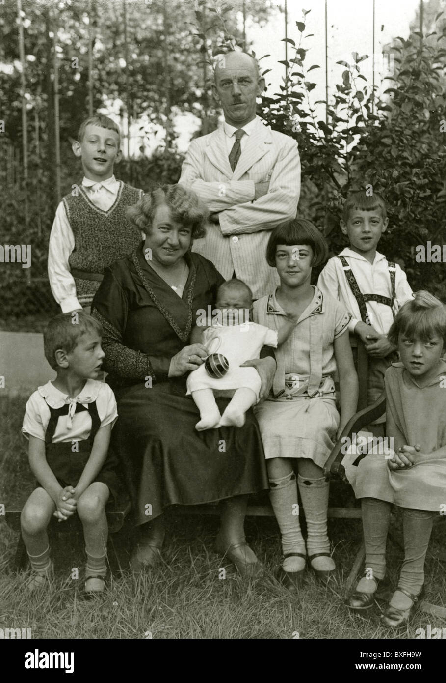 people, families, family with many children, group picture, Germany, circa 1925, Additional-Rights-Clearences-NA - Stock Image