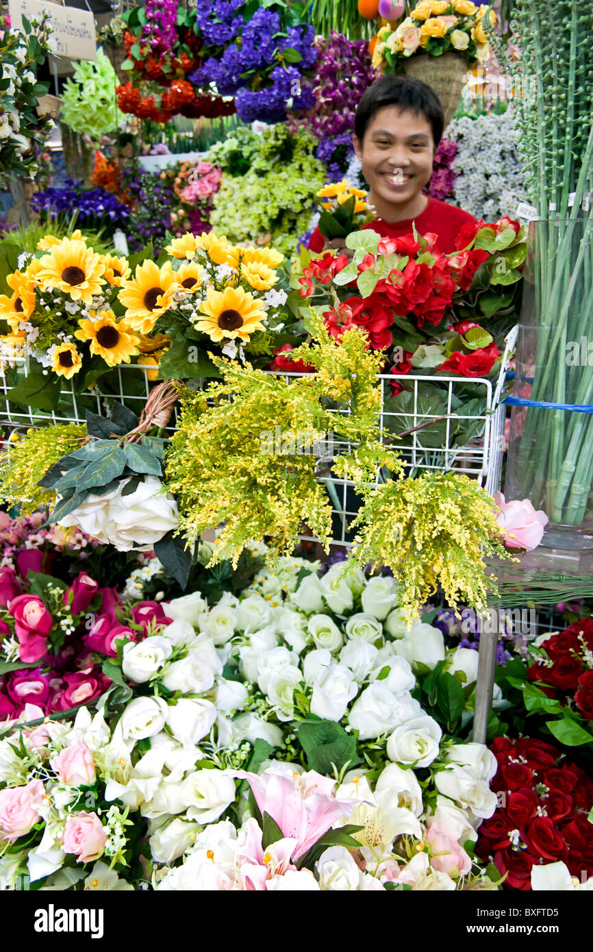 Cut flowers for sale at Chatuchak Weekend Market, Bangkok, Thailand. - Stock Image