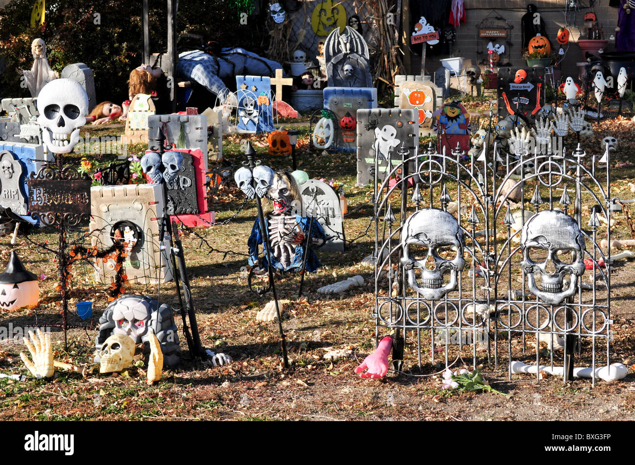 Front yard decoration for halloween stock photos front yard decoration for halloween stock - Halloween decorations toronto ...