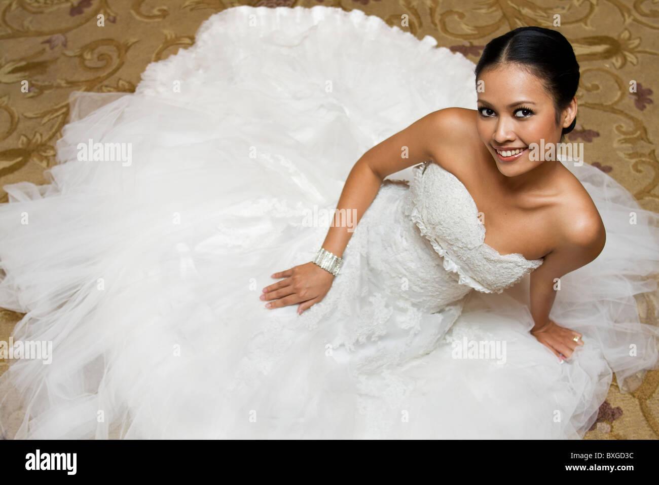 https://c8.alamy.com/comp/BXGD3C/beautiful-thai-bride-BXGD3C.jpg