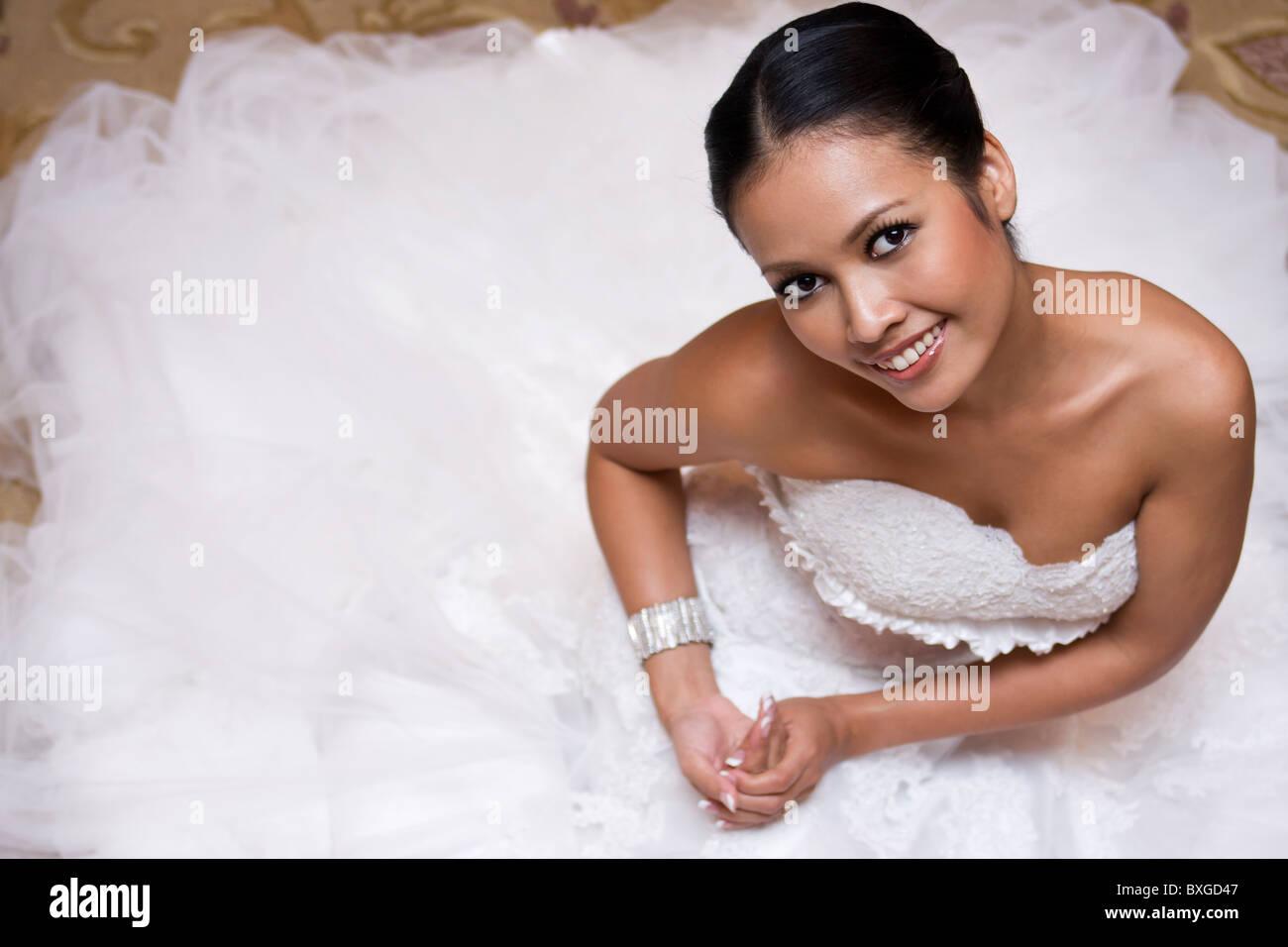 https://c8.alamy.com/comp/BXGD47/beautiful-thai-bride-BXGD47.jpg