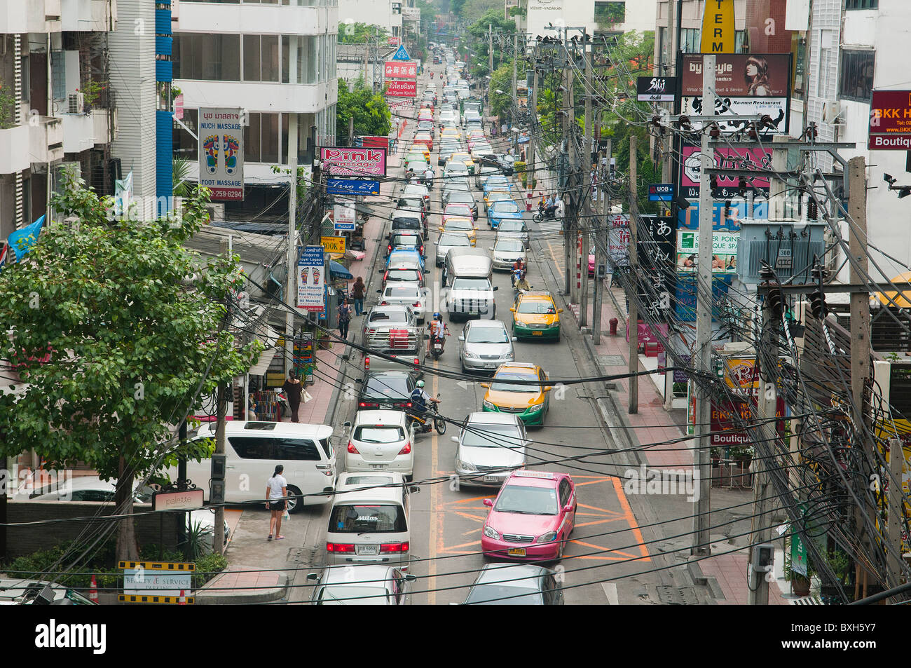 rush hour traffic in front of MBK in Bangkok, Thailand - Stock Image
