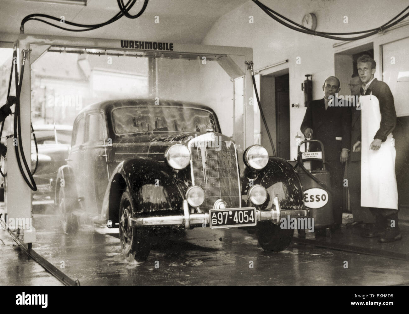 transport / transportation, car, one of the first automatic car wash, Mercedes Benz 170, Munich, Germany, circa - Stock Image