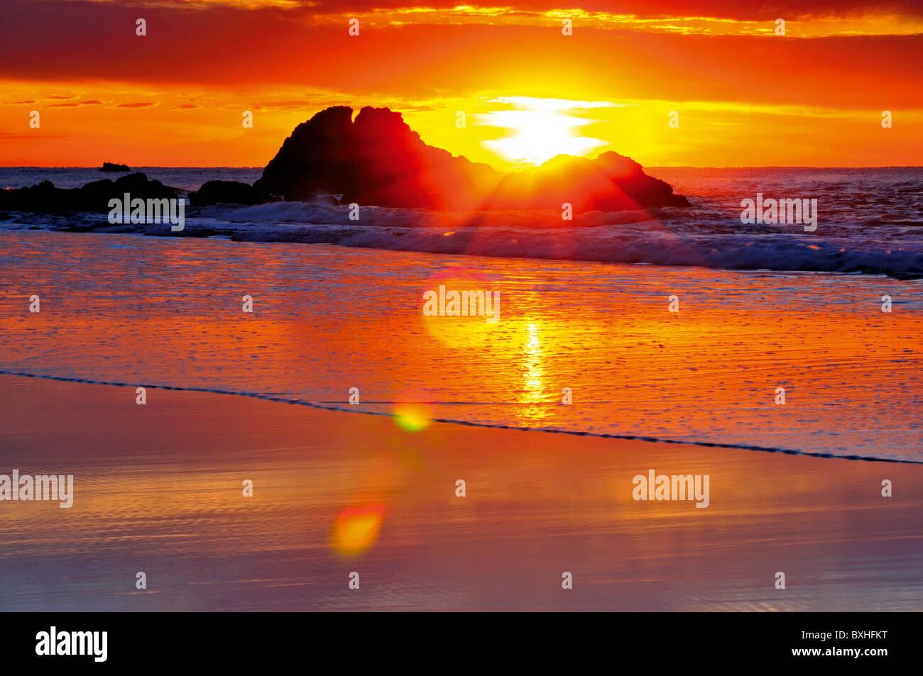 Portugal, Algarve: Sundown at a beach of nature park Costa Vicentina - Stock Image