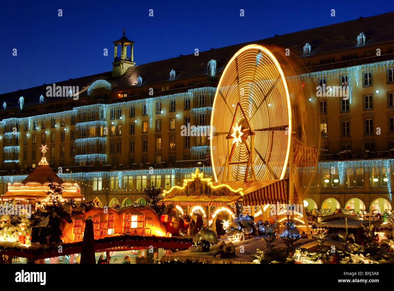 Weihnachtsmarkt In Dresden.Dresden Weihnachtsmarkt Dresden Christmas Market 12 Stock Photo