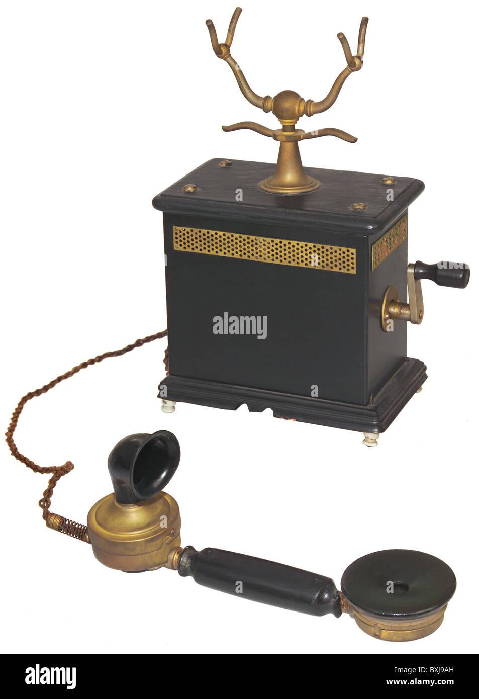 technics, telephones, telephone OB 05, Germany, circa 1905, 1900s, 00s, 20th century, historic, historical, desk - Stock Image