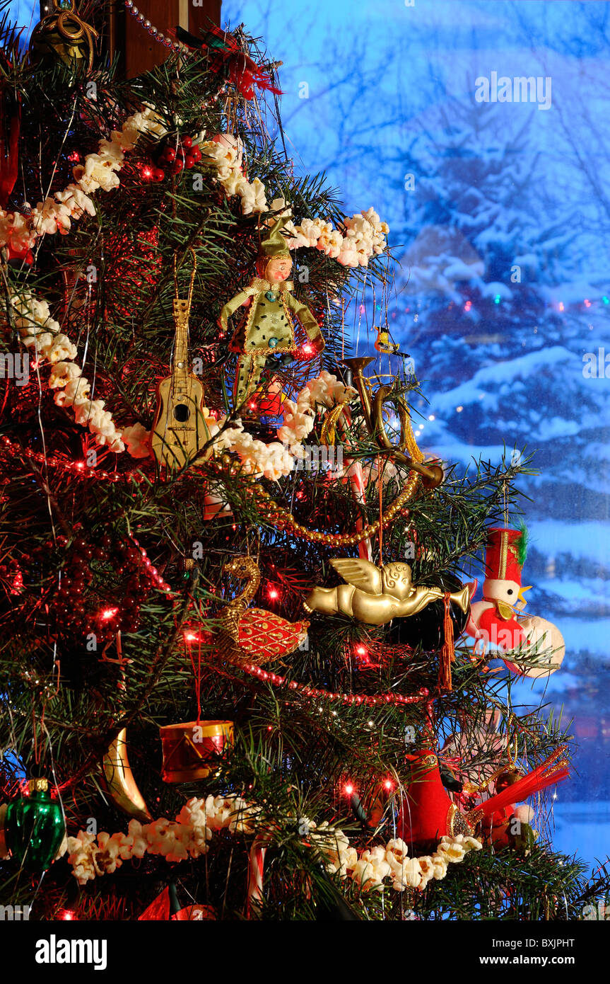 Old Fashioned Christmas Decorations Stock Photos & Old Fashioned ...
