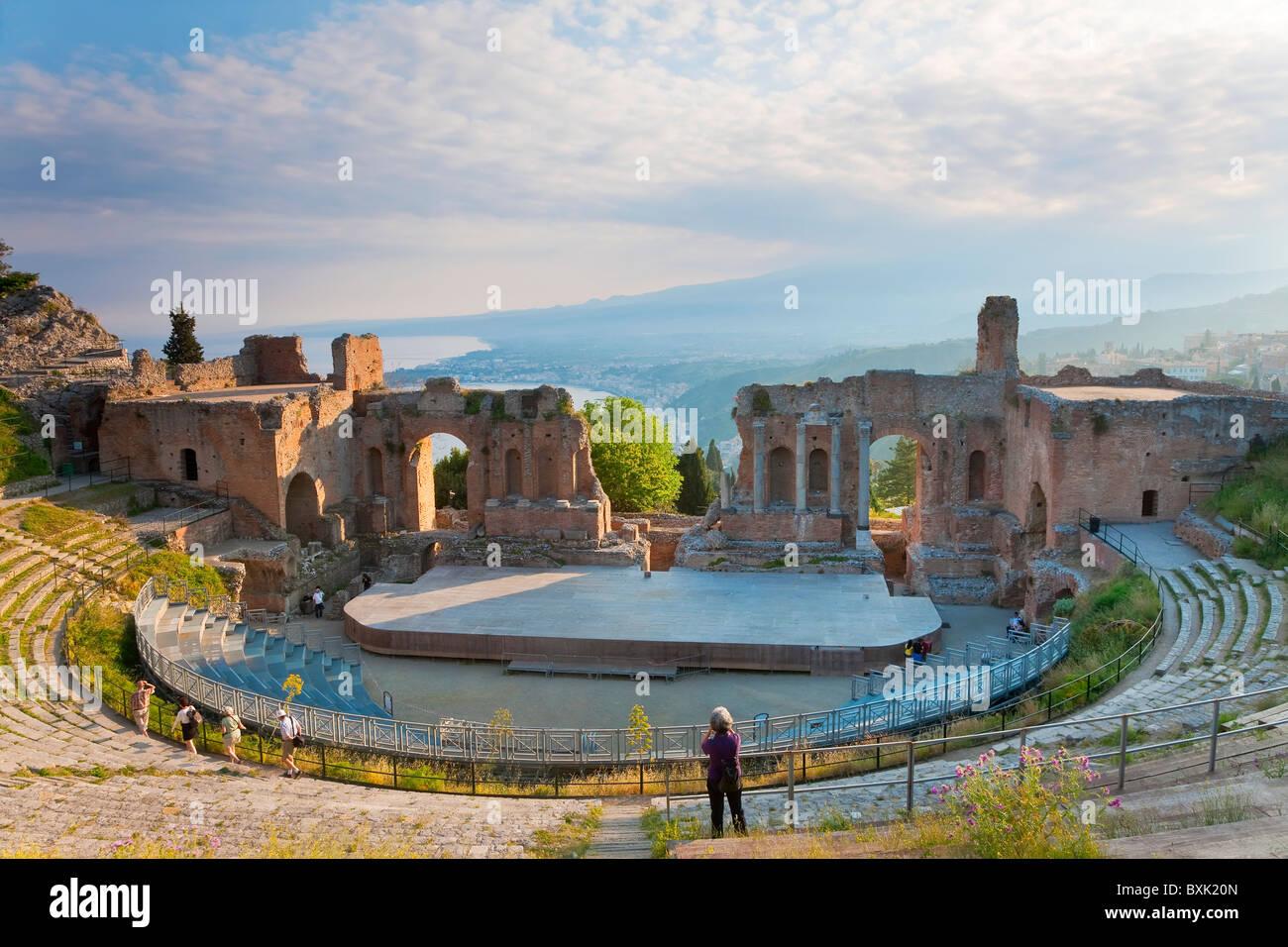 The Greek theatre, Taormina, Sicily, Italy - Stock Image
