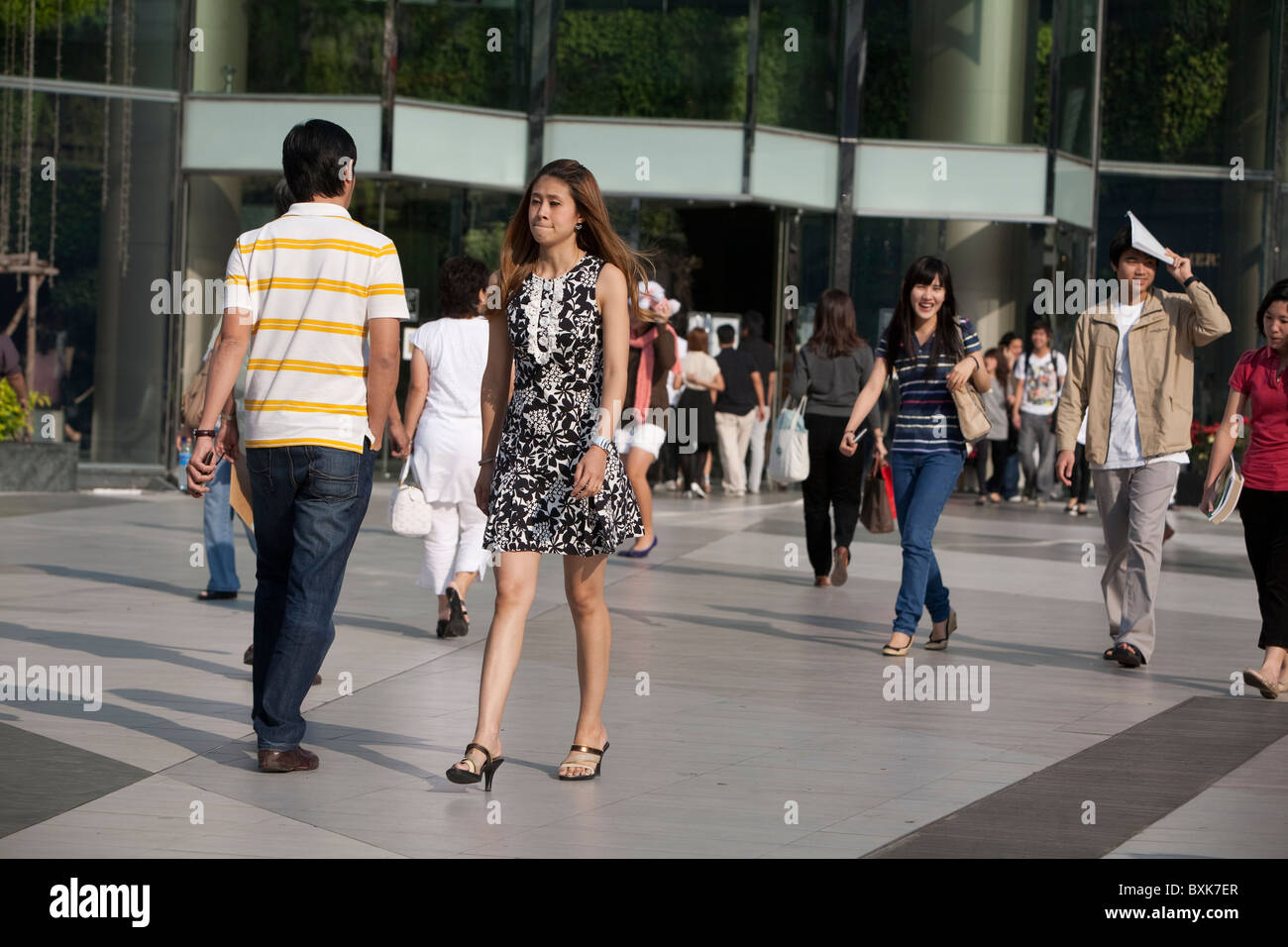 Shoppers at Siam Paragon Mall at Th Phra Ram I - Stock Image