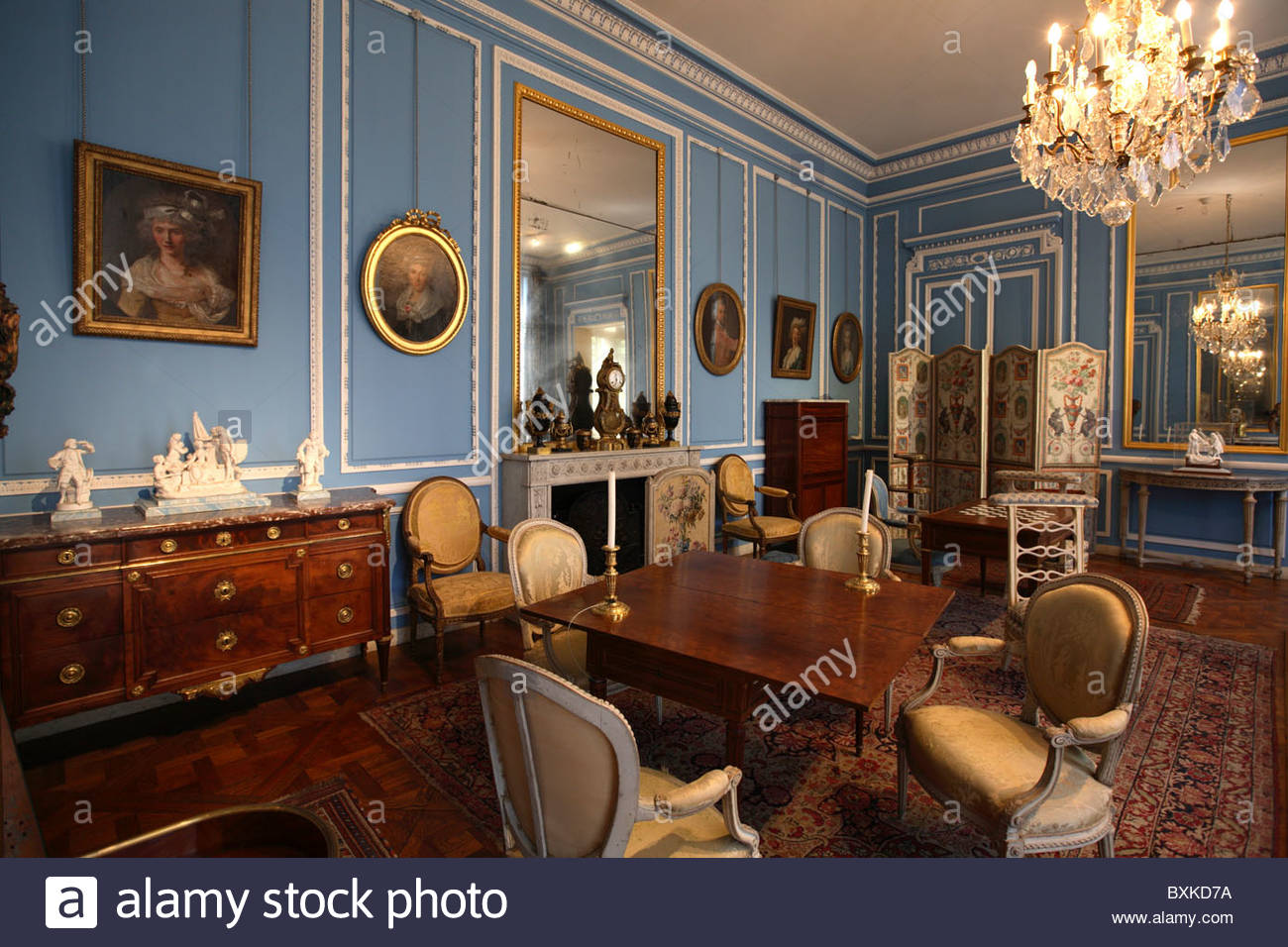 Salon bleu louis xvi in musee carnavalet paris stock photo 33618910 alamy - Salon louis xvi ...