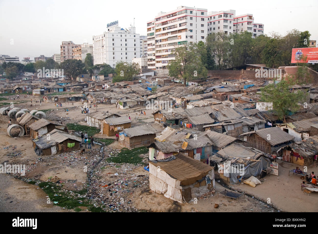 Slums in Ahmedabad, Gujarat. - Stock Image