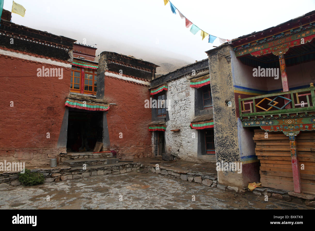Rongbuk Monastery, a Tibetan Buddhist monastery in the Basum township close to Everest Base Camp, Tibet, China. - Stock Image