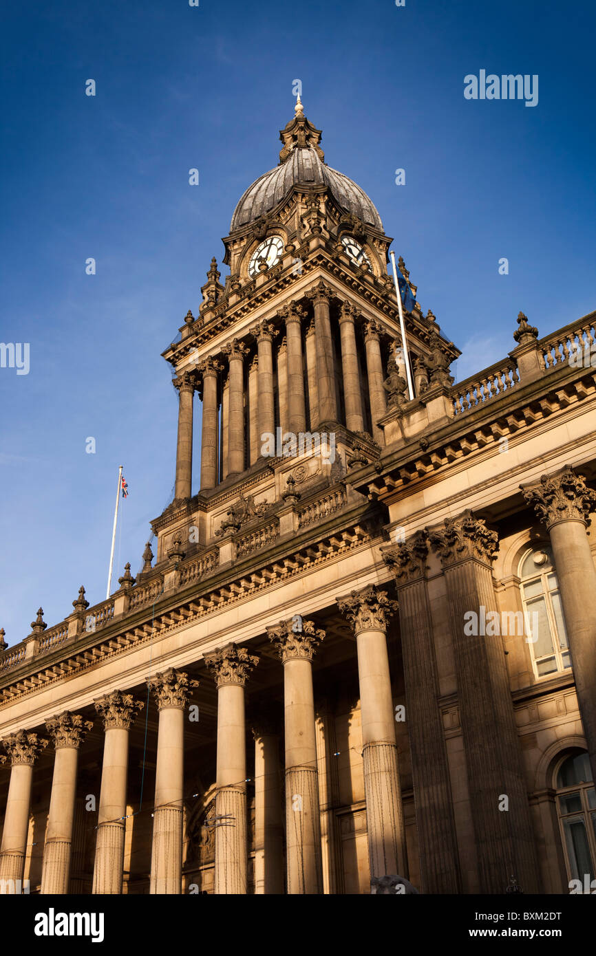 UK, England, Yorkshire, Leeds, Headrow, Leeds Town Hall, designed by Cuthbert Brodrick in 1851 - Stock Image