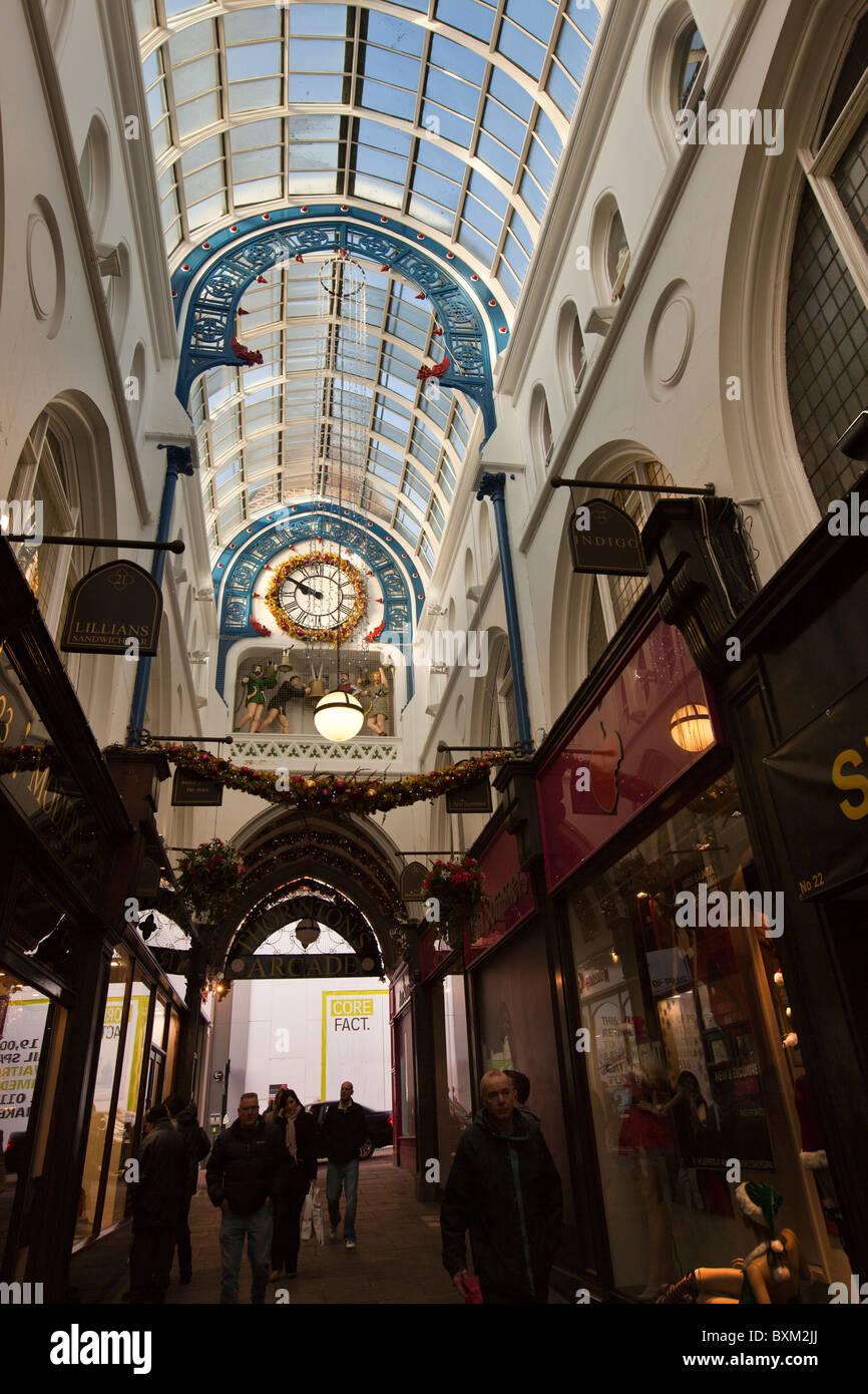 UK, England, Yorkshire, Leeds, Victoria Quarter, Thornton's Arcade at Christmas, William Potts' clock - Stock Image