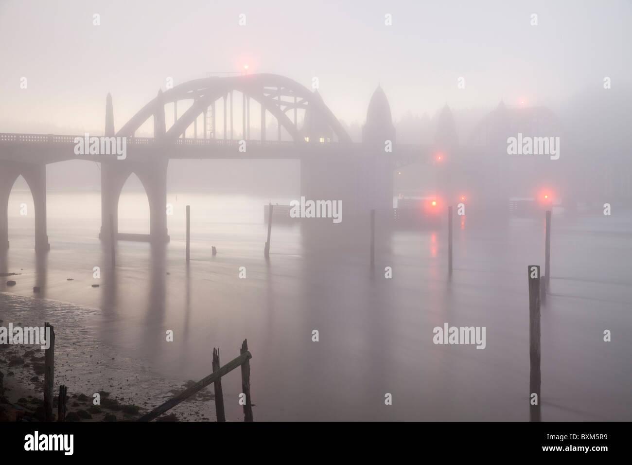 USA; Oregon; Florence; Siuslaw River Bridge, a bascule bridge - Stock Image