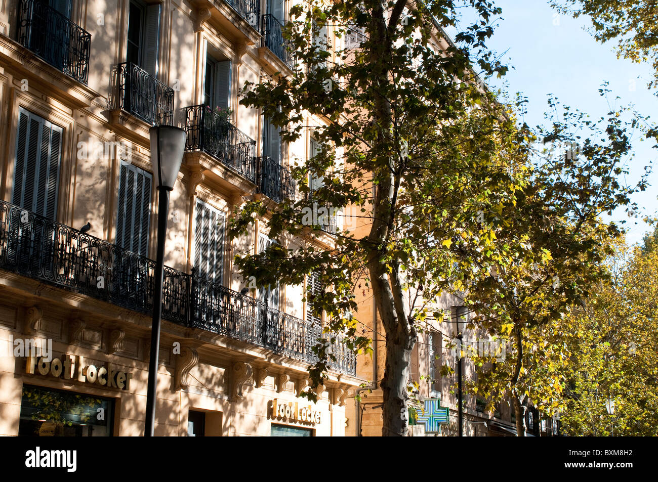 Posh houses on Cours Mirabeau, Aix En Provence, France - Stock Image