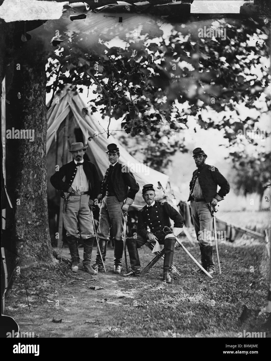 Westover Landing, Va. Col. William W. Averell, 3d Pennsylvania Cavalry, and staff - Stock Image
