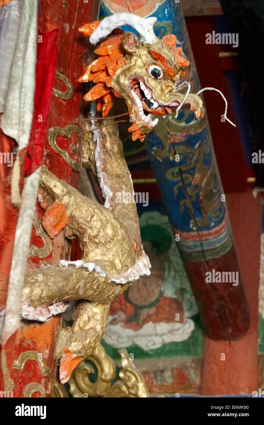 Erdenezuu Hiid monestery Mongolia - interior temple (left side) + dragon - Stock Image